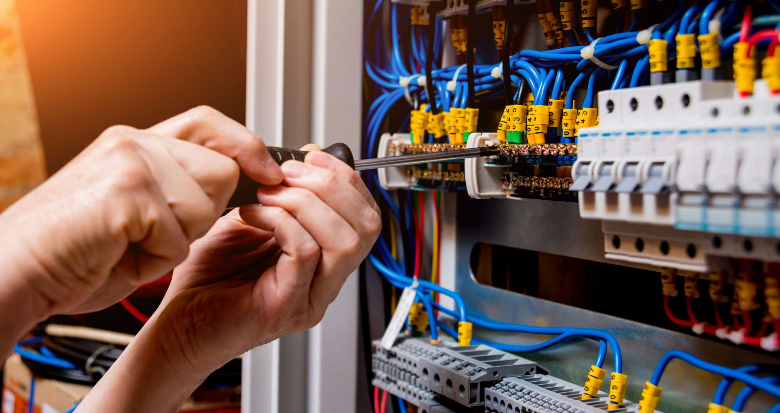 domestic-electrician-electrical-maintanance-London